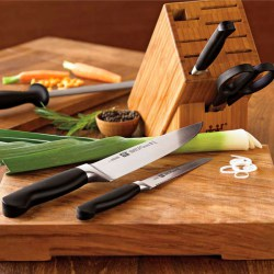 knives-zwilling-600x600.jpg